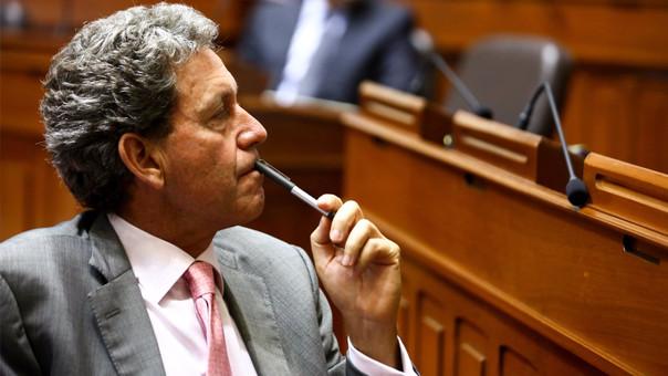 Alfredo Throne es ministro de Economía y Finanzas desde julio de 2016.