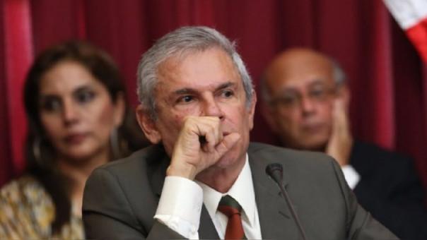 Legisladores de la bancada Peruanos por el Kambio presentaron moción contra Castañeda.