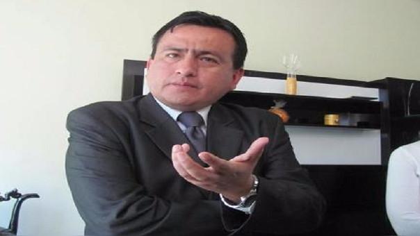 Condenan a Oscar Tenorio