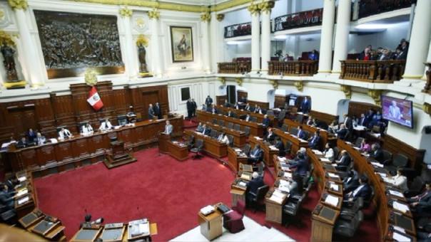 El ministro Thorne pidió este lunes la cuestión de confianza al Congreso.