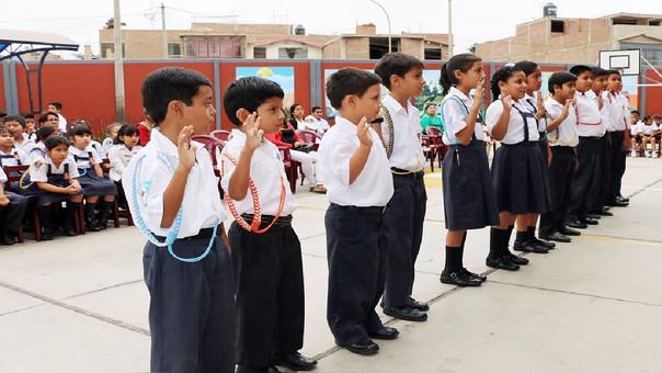 Juramentación  de jueces de paz escolar