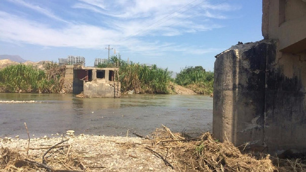 Puente Tablazos colapsado