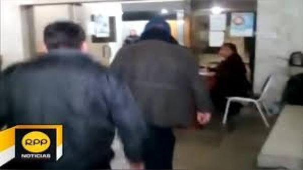 Secretario judicial de paz letrado de Moho recibió servicios de demandante.