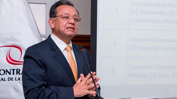 Edgar Alarcón, contralor de la República, fue cuestionado por la compra-venta de autos, de terrenos, entre otros.