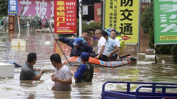 Al menos 27 mil viviendas se derrumbaron y 37 mil han sufrido graves daños debido a las inundaciones.
