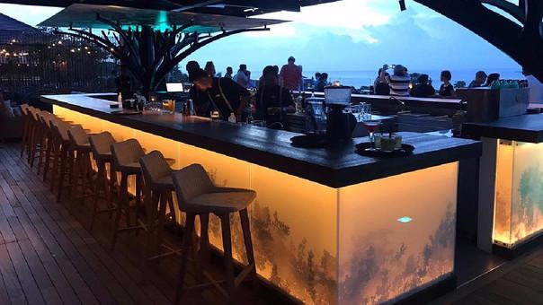El restaurant opera en la isla de Bali bajo la marca Above Eleven.