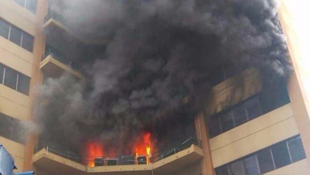 El fuego se desarrolló en los pisos 4, 5, 6 y 7.