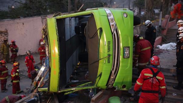 El bus turístico que se accidentó el domingo tenía 5 papeletas registradas.