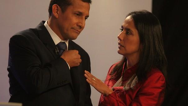 Ollanta Humala y Nadine Heredia en el debate de las elecciones generales de 2011.