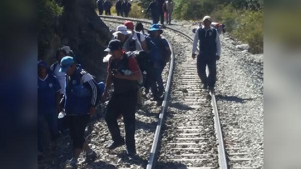 vía férrea bloqueada
