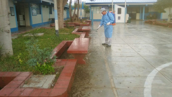 Las instalaciones del hospital de Essalud de Ascope amanecieron con cientos de grillos.