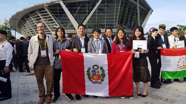 Delegación peruana en Tailandia.