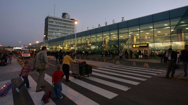 Aerolíneas temen que tarifas suban entre 10% a 15% por año.