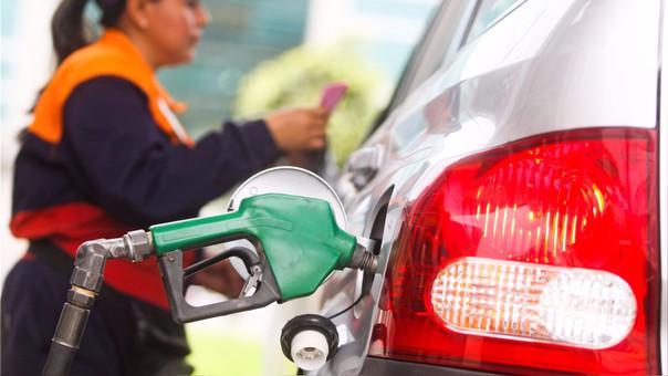 Entre ambas refinerías incrementaron los precios de gasoholes, gasolinas, diésel B5.
