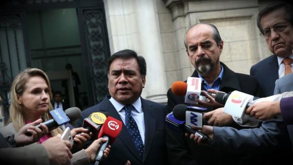 Ejecutivo y bancada aprista se reúnen en Palacio de Justicia