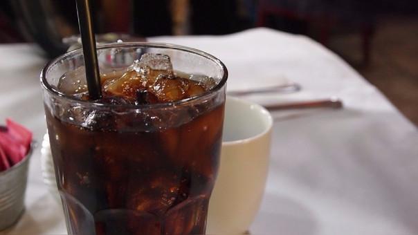 La comida alta en azúcares y proteínas juntas es perniciosa para la salud.