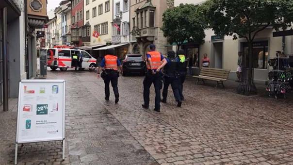 La policia de Suiza está buscando al atacante que sería de 1,90 metros aproximadamente.