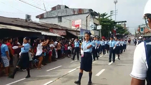 Desfile escolar en Yurimaguas.