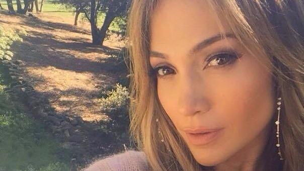 En las últimas horas, Jennifer Lopez no se ha pronunciado sobre la muerte de su exsuegra y madre de Marc Anthony.