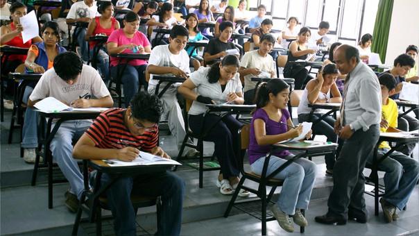 Los estudiantes pueden postular anualmente a estas becas.