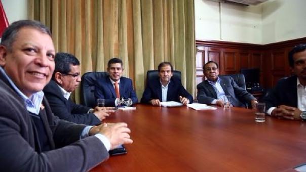 Luis Galarreta se reunió con las bancadas del Frente Amplio y Alianza para el Progreso