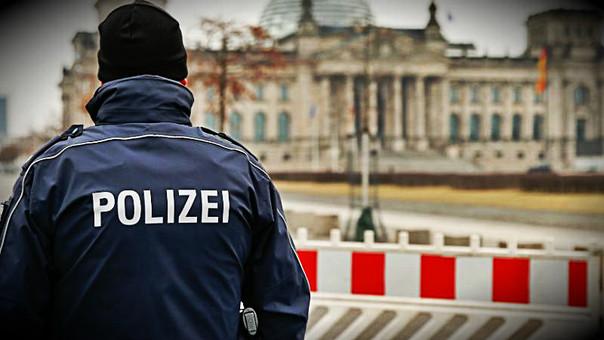 Turistas chinos detenidos por hacer el saludo nazi en Alemania