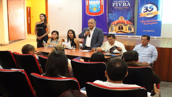 Conferencia en Piura