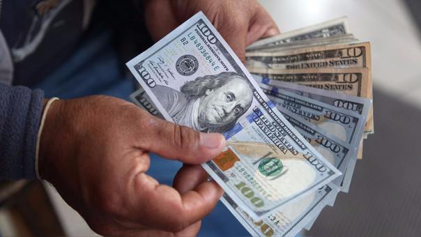 En lo que va del año la divisa norteamericana acumula un retroceso del 3.40 por ciento.