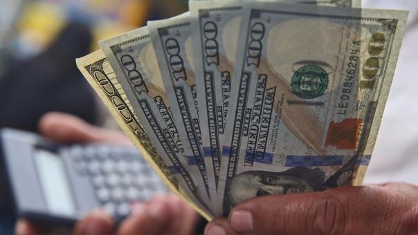 La moneda en los últimos 12 meses el dólar se ha depreciado en 1.78 por ciento.