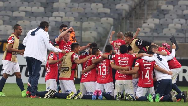 El Wilstermann de Roberto Mosquera avanzó por un global de 1-0.