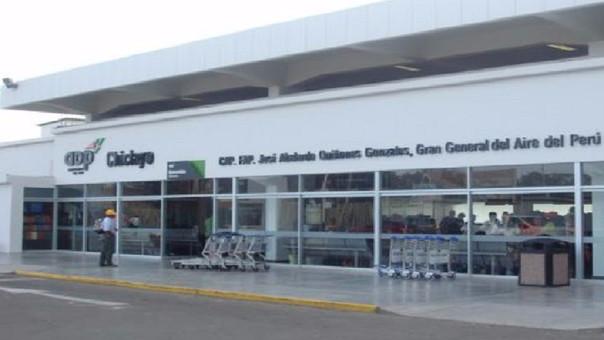 Gallinazos en aeropuerto de Chiclayo