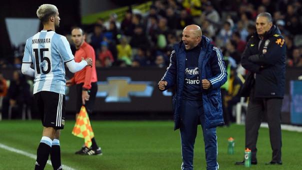 Jorge Sampaoli ha dirigido a la Selección Argentina en dos partidos amistosos hasta el momento y ambos los ganó (Brasil y Singapur).