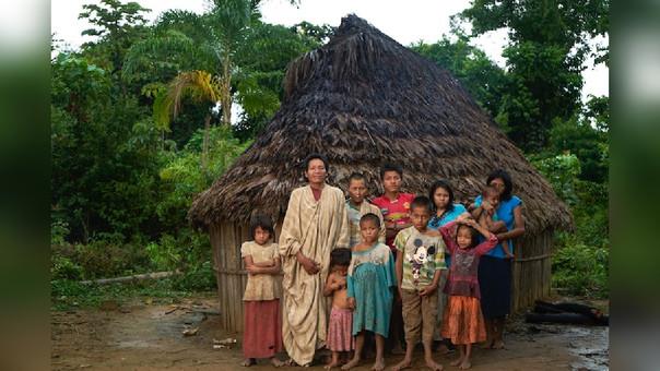 Familia de Julián y sus esposas Paulina y Tania.