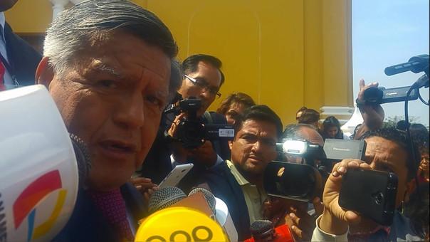 César Acuña saluda a Gobierno Central por diálogo con maestros