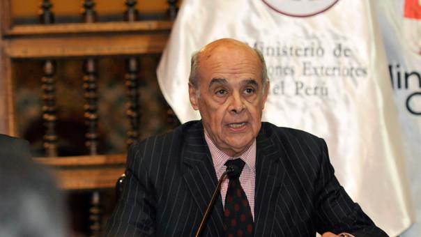 Gobierno del Perú expulsa a embajador de Venezuela