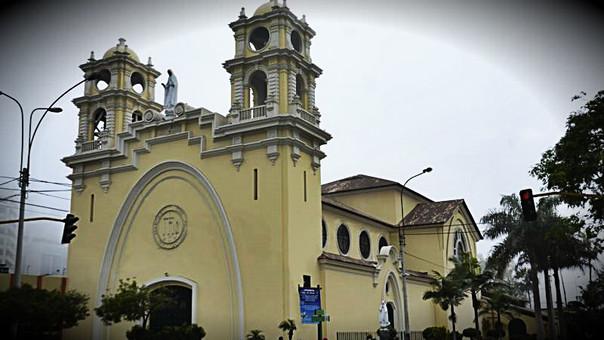 Lima: incendio se produjo en iglesia Virgen de Fátima en Miraflores