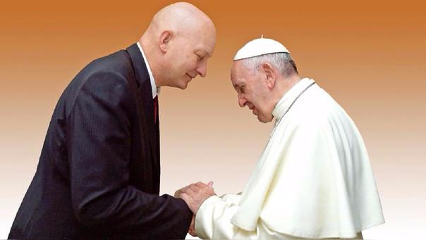 En la foto Daniel Pittet (58) y Francisco (80) en una reunión que mantuvieron en el Vaticano en 2015.