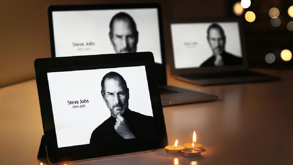 Según sus biógrafos, el fundador de Apple se sometió a tratamientos alternativos como acupuntura y dietas.
