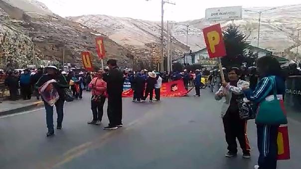Huelga de docentes causó problemas en el tránsito de la Carretera Central.