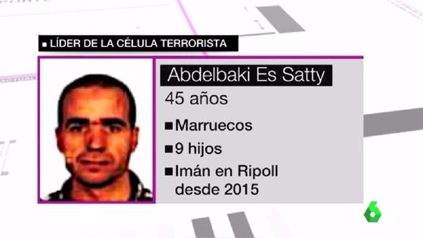 Es Satty tiene 45 años. Es marroquí y tiene 9 hijos.