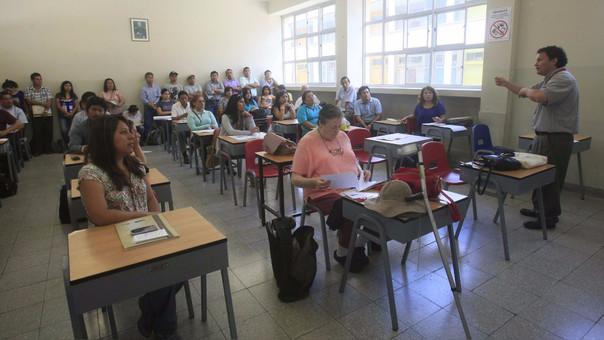 Los maestros deberán ser capacitados como parte de la carrera pública magisterial.