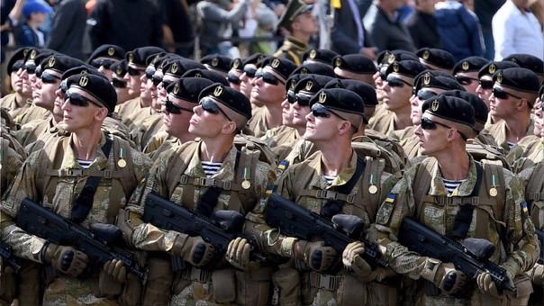 Las tropas ucranianas marcharon este 24 de agosto, fecha en la que se conmemora el 26 aniversario de su independencia de la Unión Soviética.