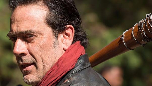 Steven Ogg, quien da vida a Simon, contó que la muerte de Glenn sería superada por el deceso de significativos personajes de la serie zombie, tal vez a manos del sanguinario Negan.
