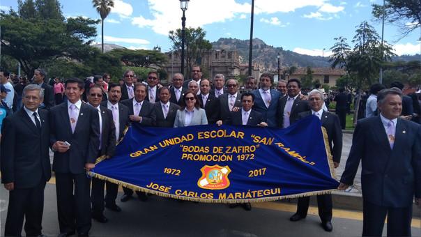 Jefe del INEI participó del desfile de aniversario de su institución educativa