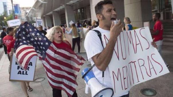 Las políticas migratorias de Donald Trump han sido duramente criticadas por los latinos que residen en Estados Unidos.