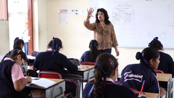 El Ejecutivo destinará 27 mil 430 soles a Educación, es decir este sector representa el 17.5% del presupuesto. Este monto es 5% mayor al presupuesto de este año.