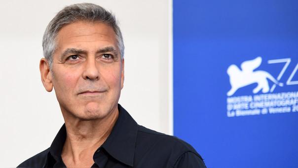 Clooney se encuentra en medio de la presentación de una nueva producción que protagoniza titulada Suburbicon, una cinta con la que compite en el Festival de Cine de Venecia