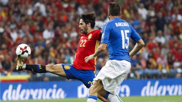 España golea 3-0 a Italia y acaricia clasificación al Mundial