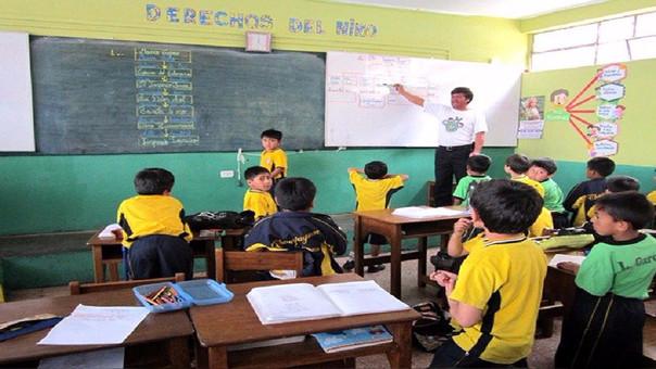 Profesores que estuvieron  en huelga retornarán a las aulas.