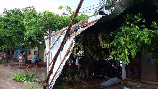 Así quedaron las precarias viviendas en San Martín tras el paso de las ráfagas de viento.